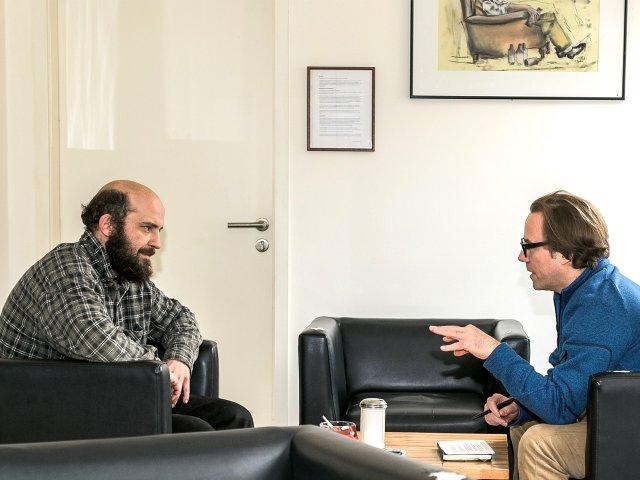 Benjamin Nover im Interview mit FRIZZ Redakteur Benjamin Metz (re)