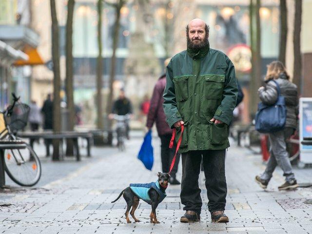 Benjamin Nover in der Darmstädter Fußgängerzone