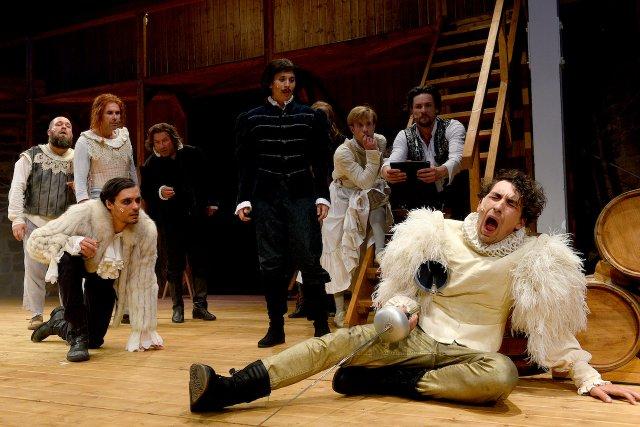2019_ShakespeareLove_Ensemble-Theaterszene_EUS_PR-0157.jpg
