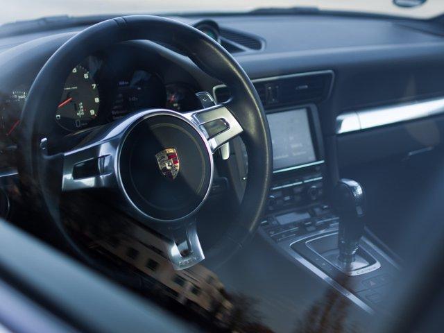 Porsche_von_innen_FRIZZmag.jpg