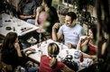 Syrien: Junge Leute im Restaurant, Damaskus
