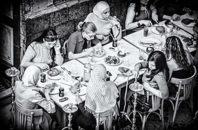 Syrien: Frauen im Restaurant, Damaskus