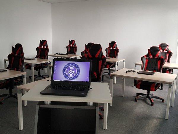Schulbegleitende Informatik-Kurse