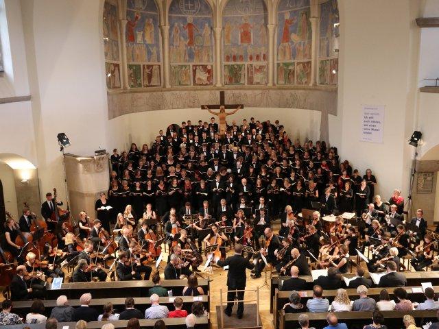 Weihnachtskonzert von Chor und Orchester der TU