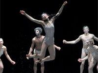"Szenenfoto: ,,Le sacre du printemps"" im Staatstheater Darmstadt"