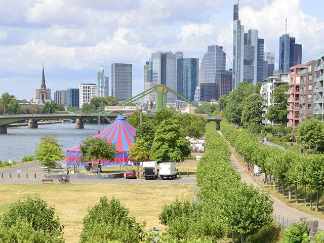 Buch: Raus ins Grüne. Frankfurt