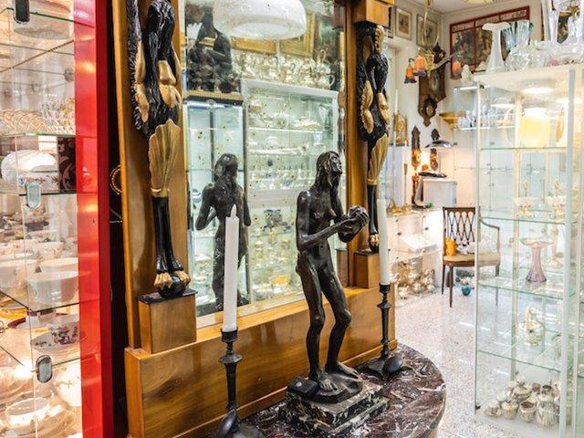 spiegel-figur-antik-galerie.jpg