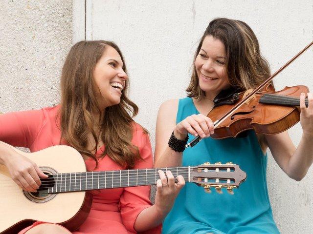"""Live Musik mit """"Viola & Guitar"""" bei Fischmaster"""
