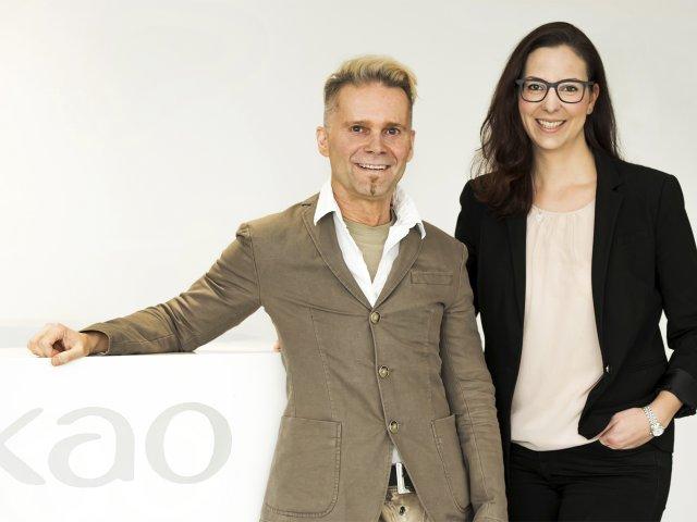 Thomas Grohe, Director Human Capital Development (HCD)/Personalleiter für den Standort Deutschland und Nadine Mayer, Manager HCD und Ausbilderin von Kao Germany