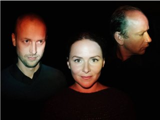 he colorist_and_emiliana_torrini_live_mousonturm.jpg