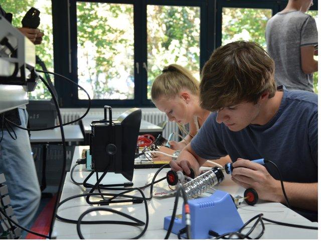Denkfabrik: Sommerferien-Workshops an der h_da