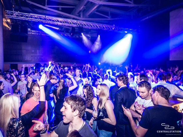 Mag.Titel_09_2017_Party Centralstation_Bild_04 copy.jpg