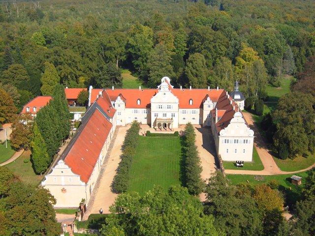 Jagdschloss Kranichstein Vogelperspektive.jpg