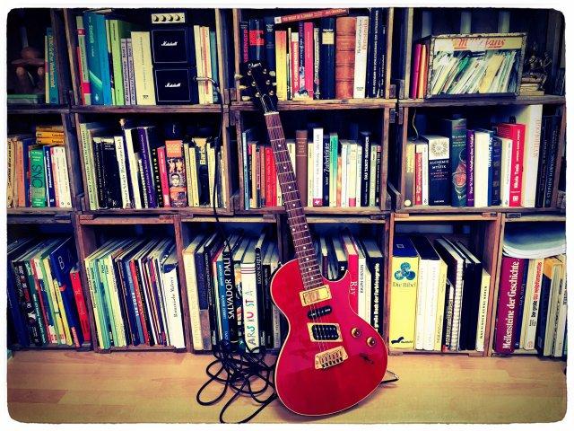 Bücher & Musikflohmarkt