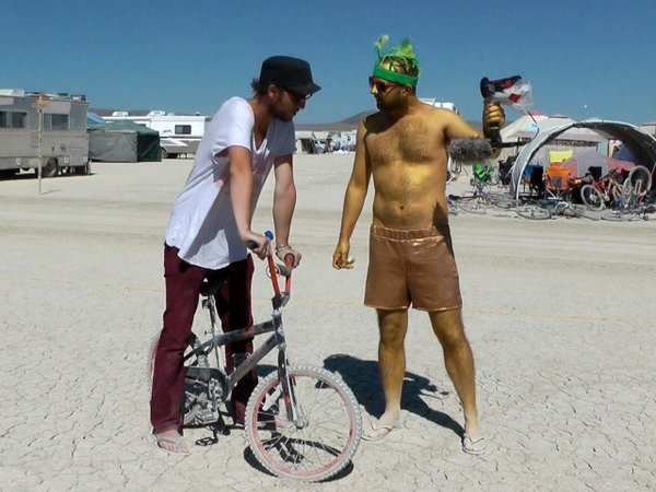 Fahrradtausch auf Burning Man