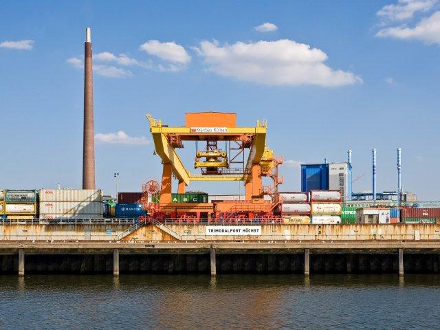 Trimodalhafen in Frankfurt-Höchst